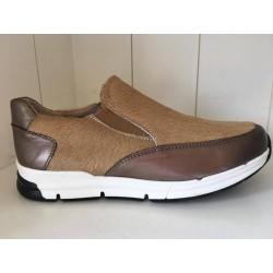 Eli sneaker