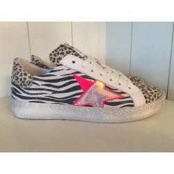 Hip style sneaker